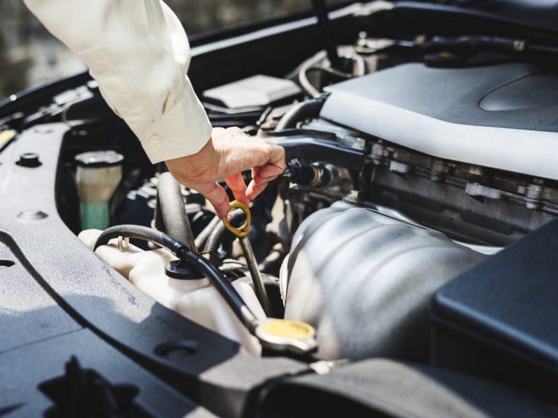 Przydatne akcesoria i środki do auta